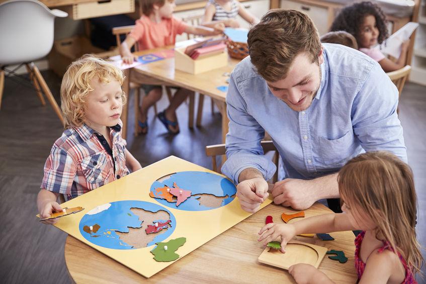 La pédagogie Montessori, le moyen privilégié pour favoriser l'éveil et l'épanouissement de l'enfant